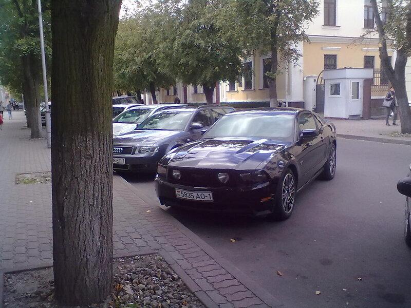Красивые авто на улицах Бреста