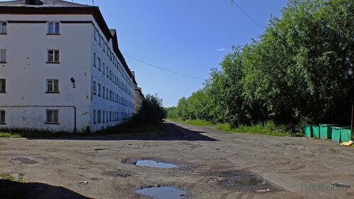 Фото города Инта №5181  Северо-восточный угол Гагарина 3 16.07.2013_12:37