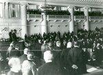 Чтение манифеста депутатам Второй Государственной думы в зале заседаний Таврического дворца.