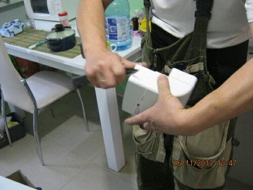 Перед вставкой трубы в раструб надо снять фаску - так легче будет сборка трубопровода