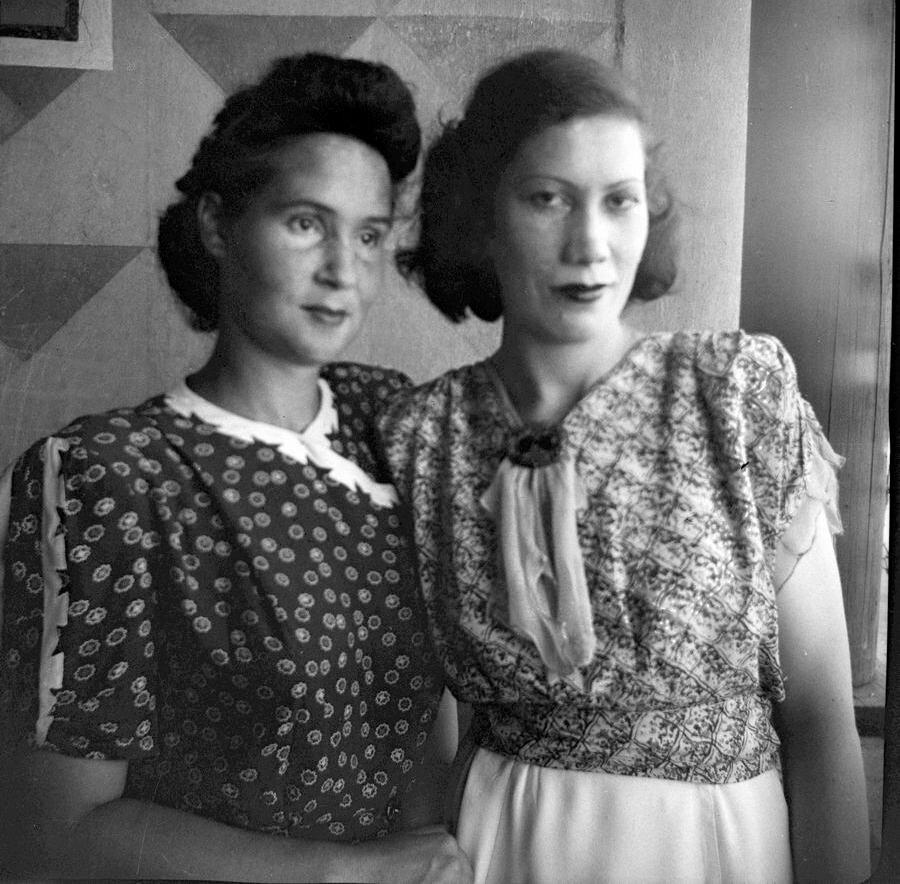 1950. Подруги по гурьевскому нефтяному техникуму