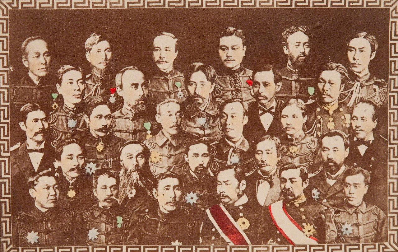 Группа офицеров высокого ранга