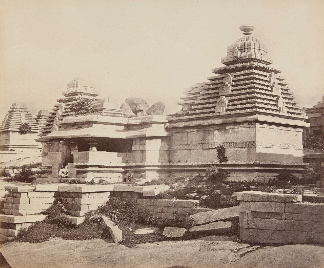Конический каменный храм
