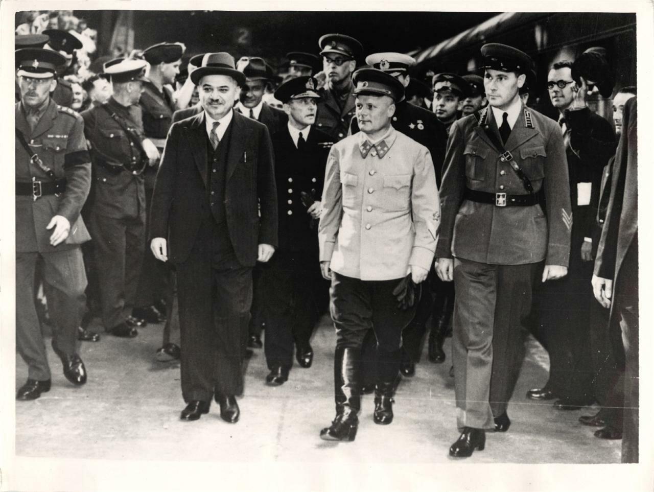 Генерал-майор Голиков в Лондоне
