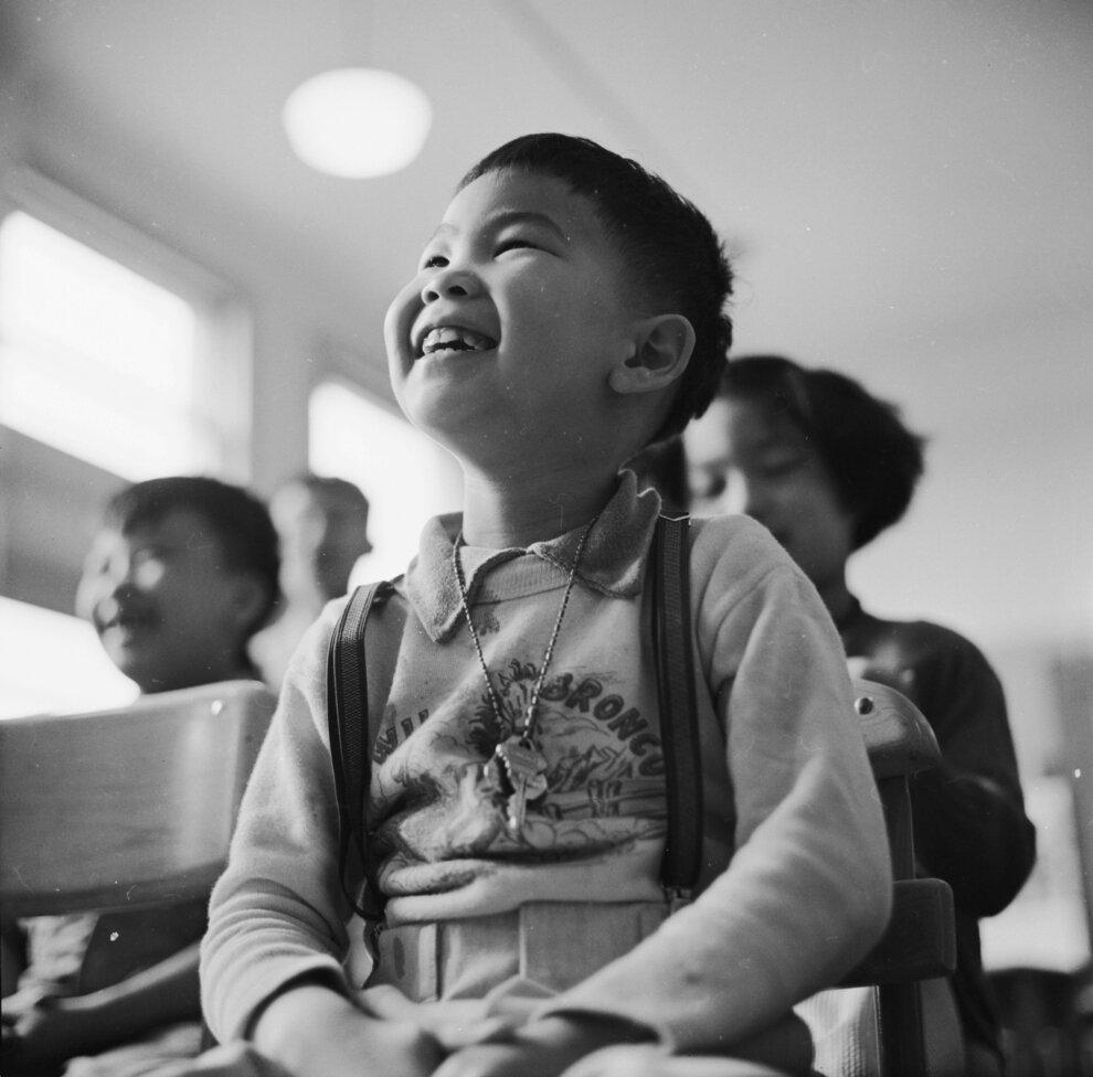 Мальчик в классе