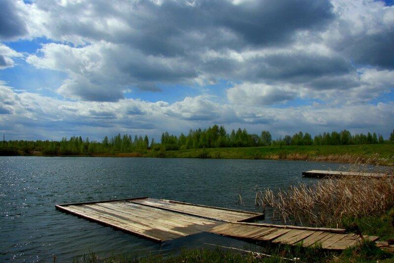 Мостки на озере
