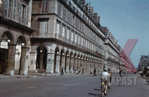 stock-photo-rivoli-st-in-paris-france-1940-10937.jpg