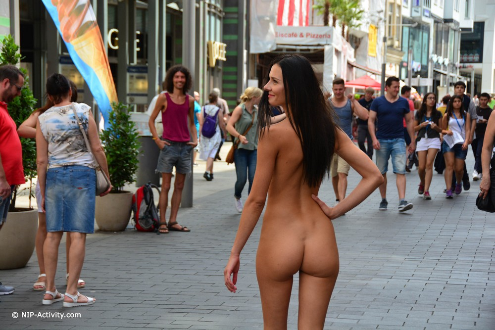 Naked Kira on the streets of Leipzig