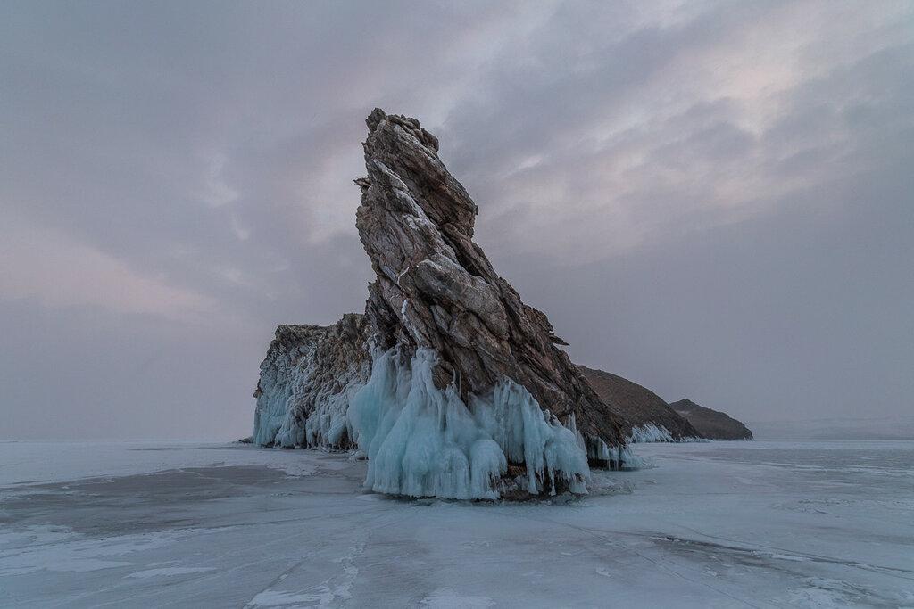 Байкал. Остров Огой. Снегопад