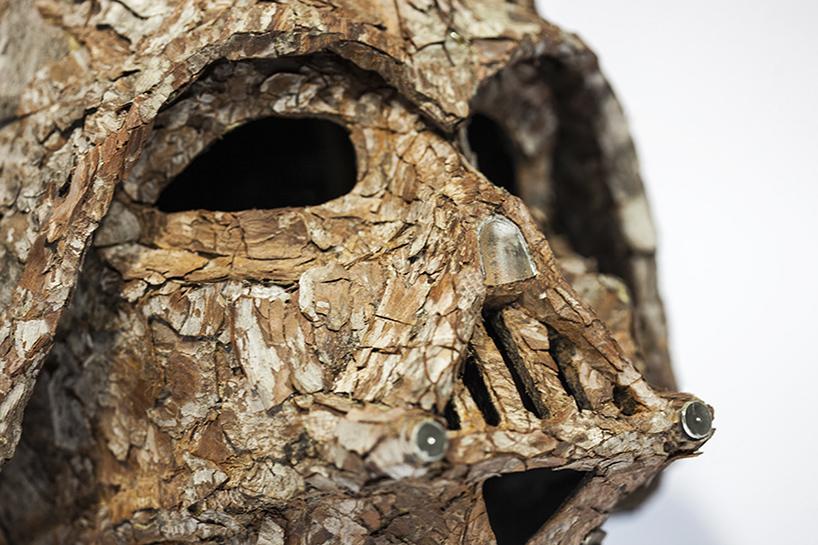 Шлем Дарта Вейдера из коры дерева