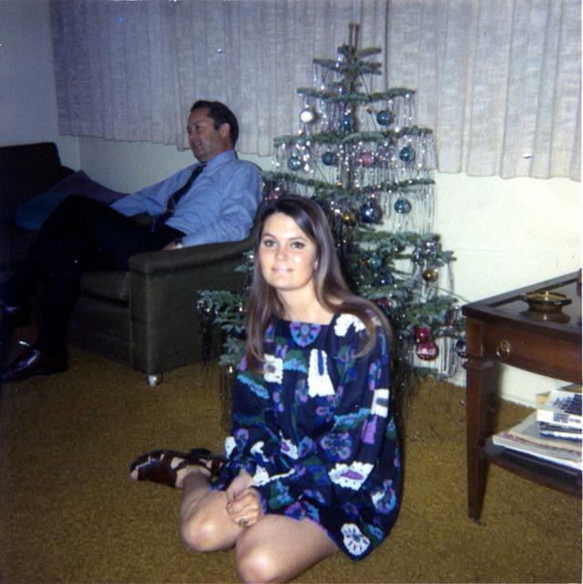 У каждого свой праздник. Кто-то отмечает с телевизором, а кто-то — с фотографом.