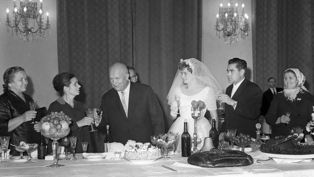 3. Свадьба Муслима Магомаева (певец) и Тамары Синявской в 1974 году