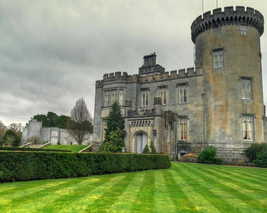 2. У этого замка огромная история с убийствами и тайнами, как у многих средневековых замков. В 1962