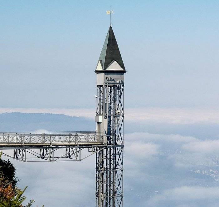 Лифт поднимет всех желающих на высоту в 152 метра всего за одну минуту. Если вы испытываете головокр