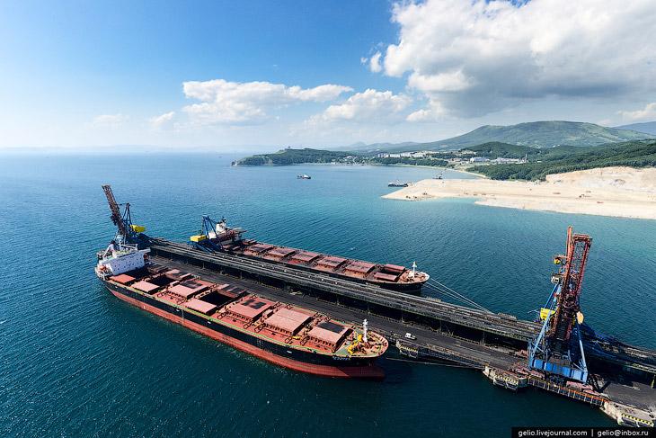 В структуру ОАО «Восточный Порт» входят два производственно-перегрузочных комплекса. Первый — единст