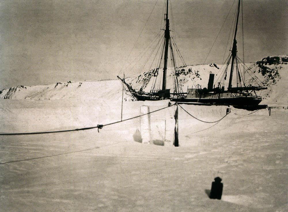 1912-1913._Зимовка_возле_Новой_Земли.jpg