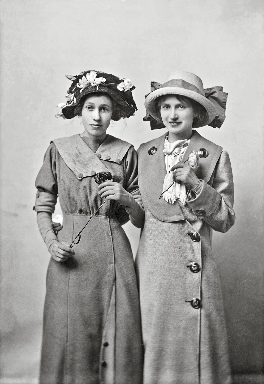 Joseph Pennell - Portrait of Clara Cox and Grace Jones, 1912.jpg