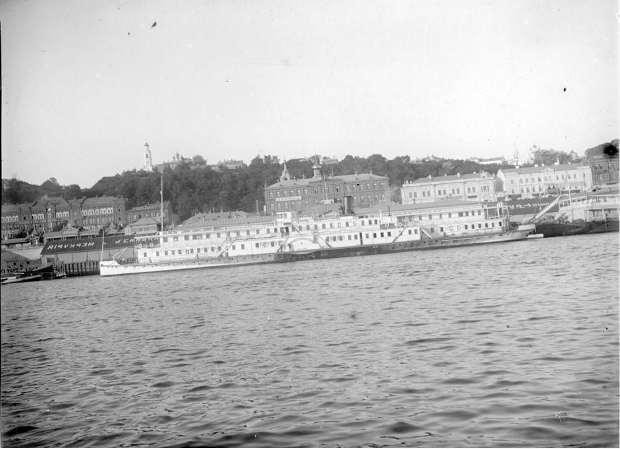 1908. Двухпалубный пароход. Общий вид. Астрахань