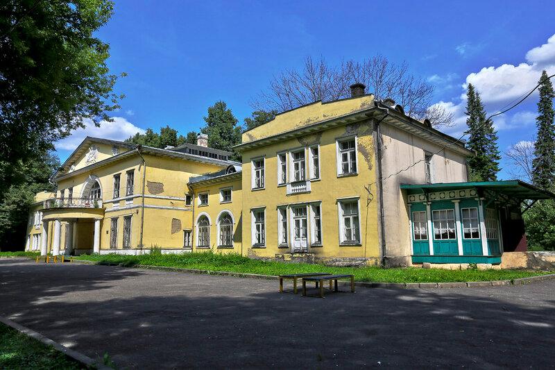 Усадьба Виноградово. Дом Банзы