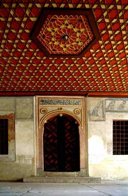 Арка входа в зал ханского Дивана (Зал Совета и суда).2.jpg