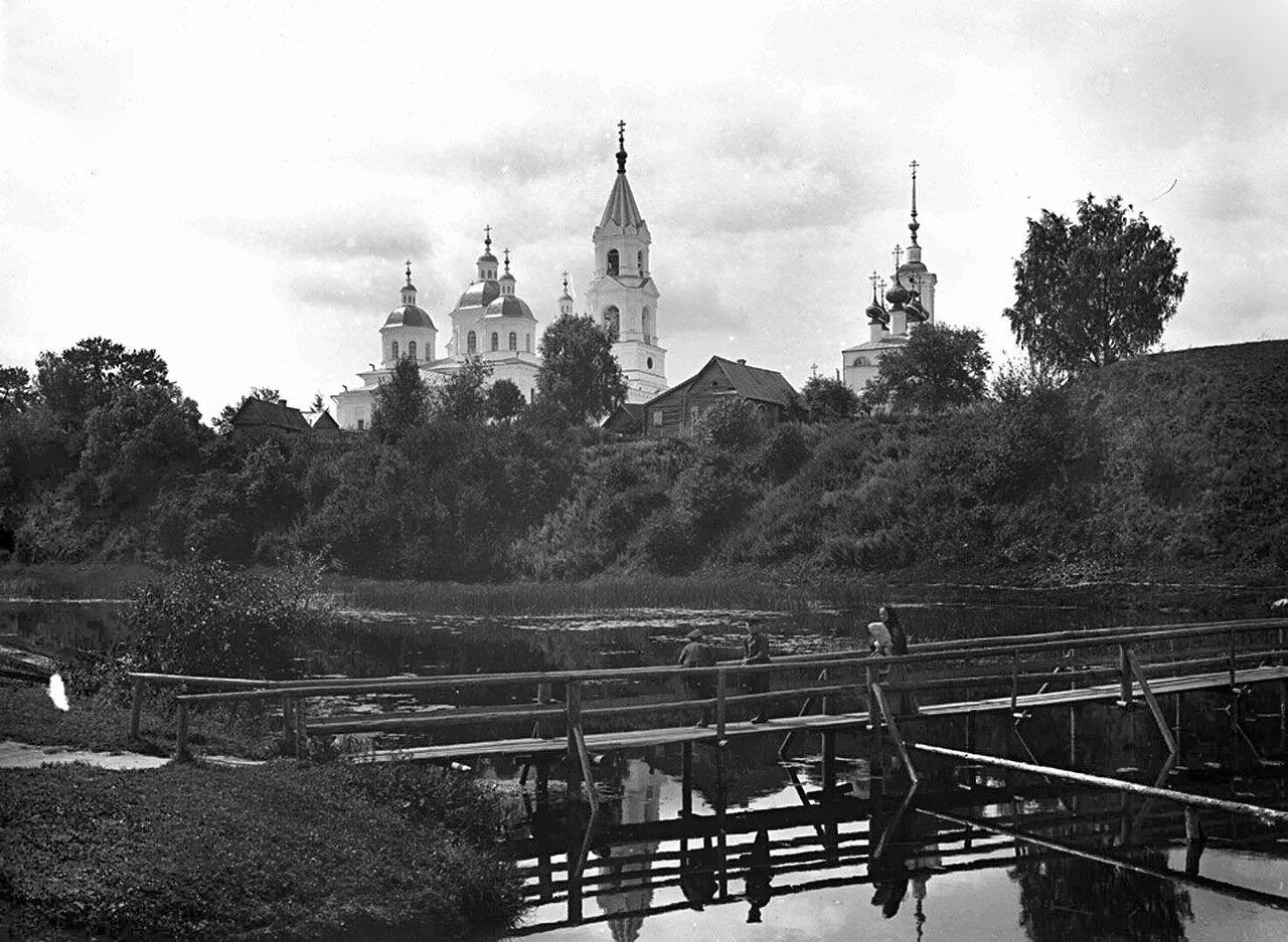 Собор Воскресения и мост через реку Кашинку. 1894 г. г. Кашин, Тверская губерния