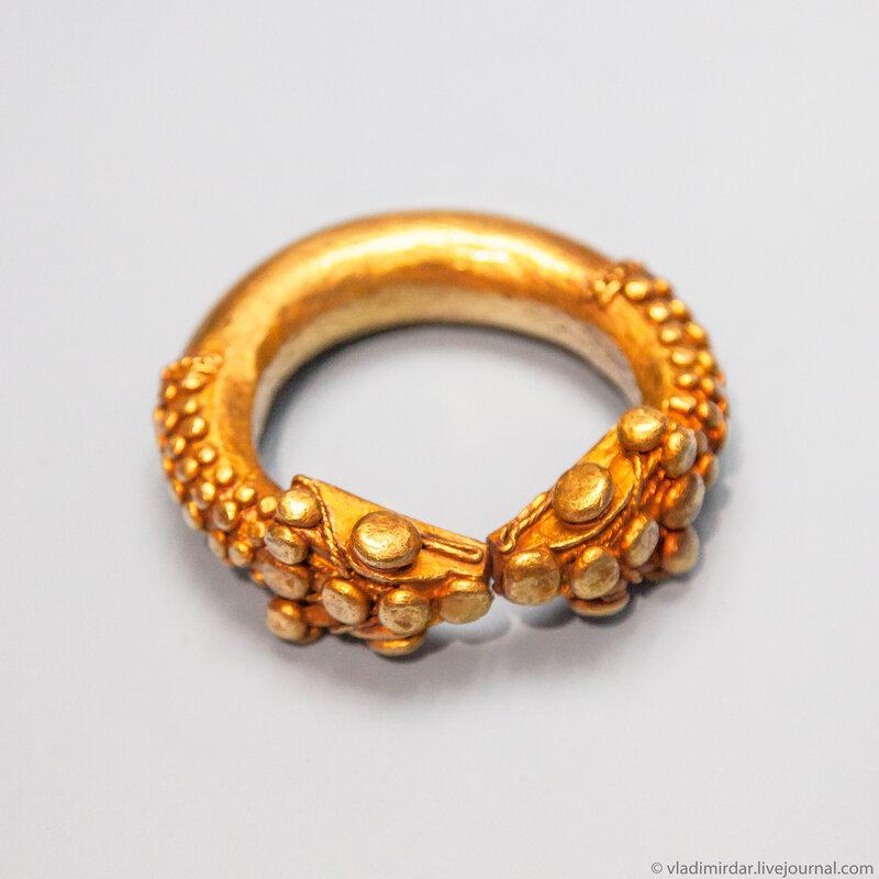 Золотой фракийский браслет