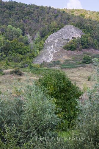 Обнаженный склон горы