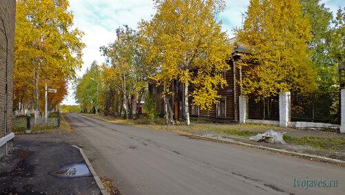 Фото города Инта №5881  Халеева 6 и 4 15.09.2013_12:25