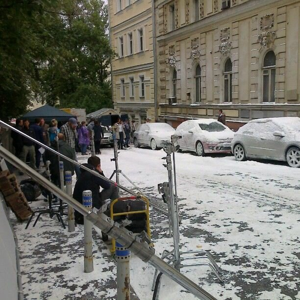 Съёмки фильма в Старосадском переулке