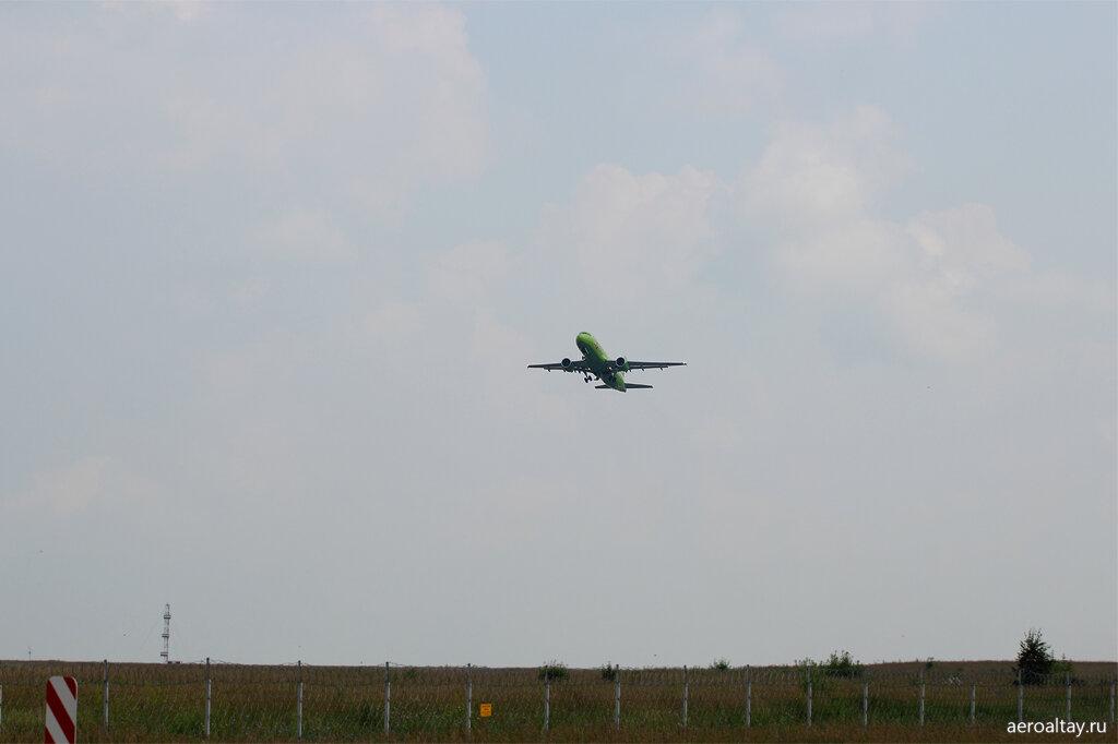 Рейс Москва-Новосибирск взлетает с запасного аэропорта в Барнауле