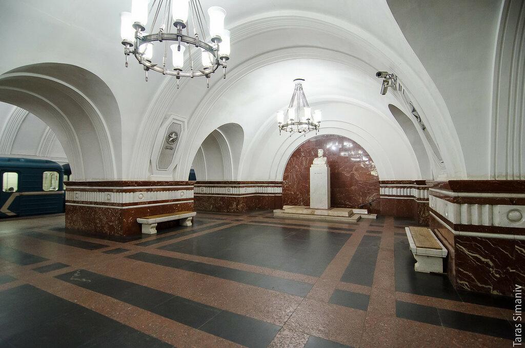 Фрунзенская закрылась на реконструкцию