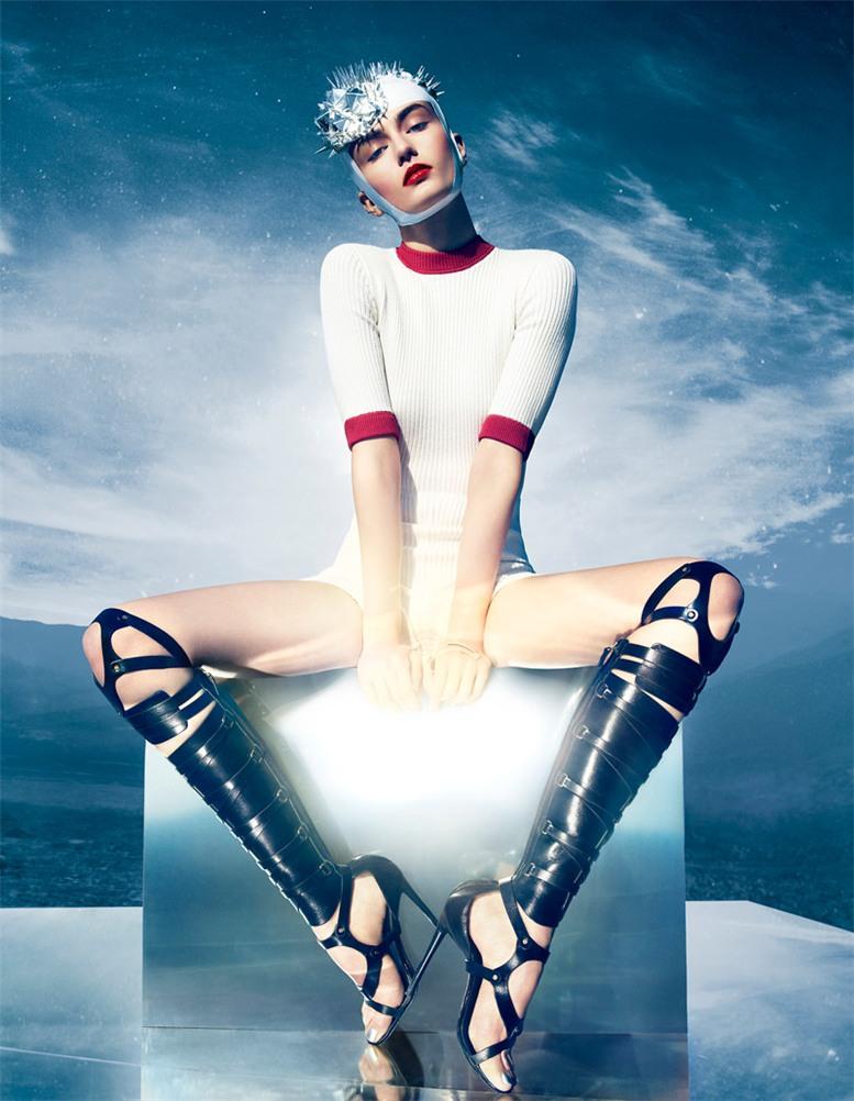 Экстремальный спорт - Андреа Дьякону / Andreea Diaconu by Solve Sundsbo in Vogue Japan march 2013