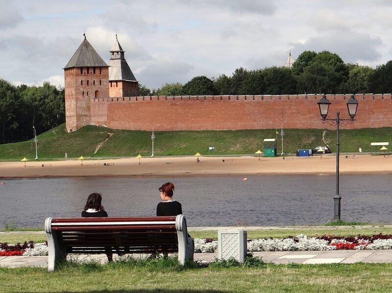 На набережной Александра Невского
