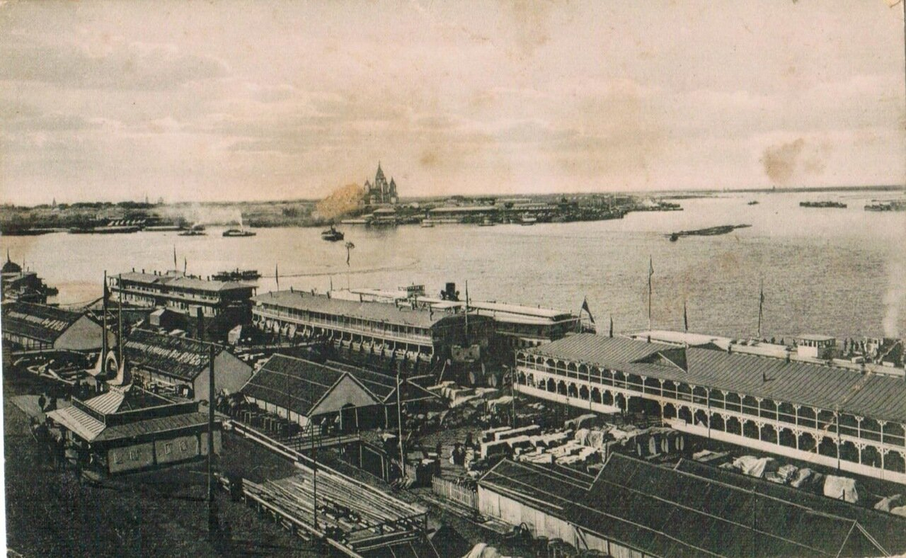 Общий вид пассажирских пристаней