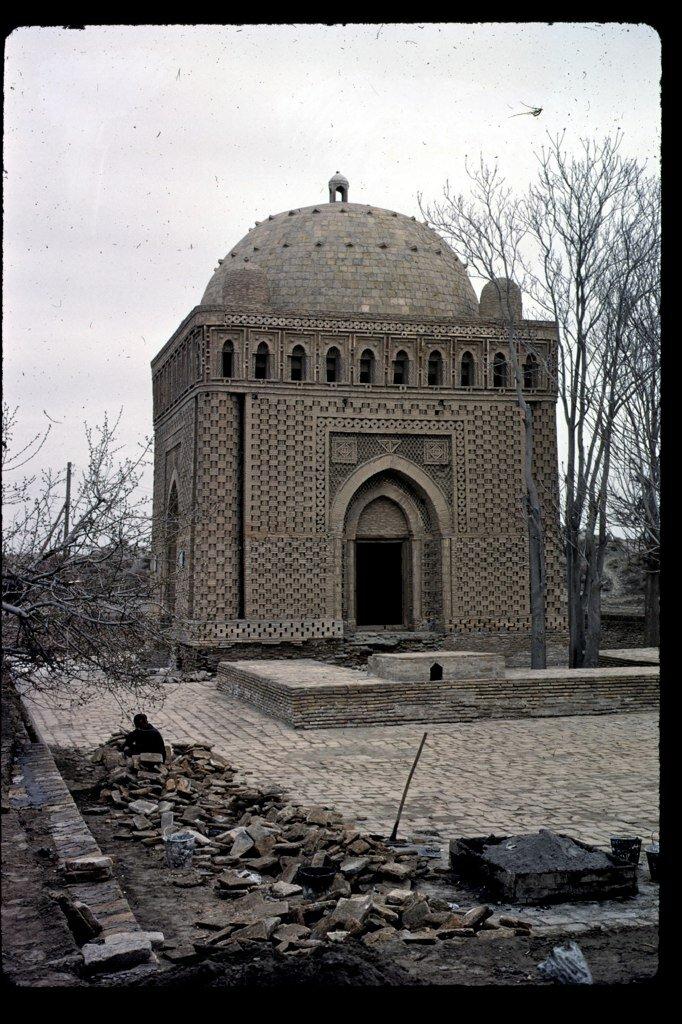 Samanid Mausoleum in 1966