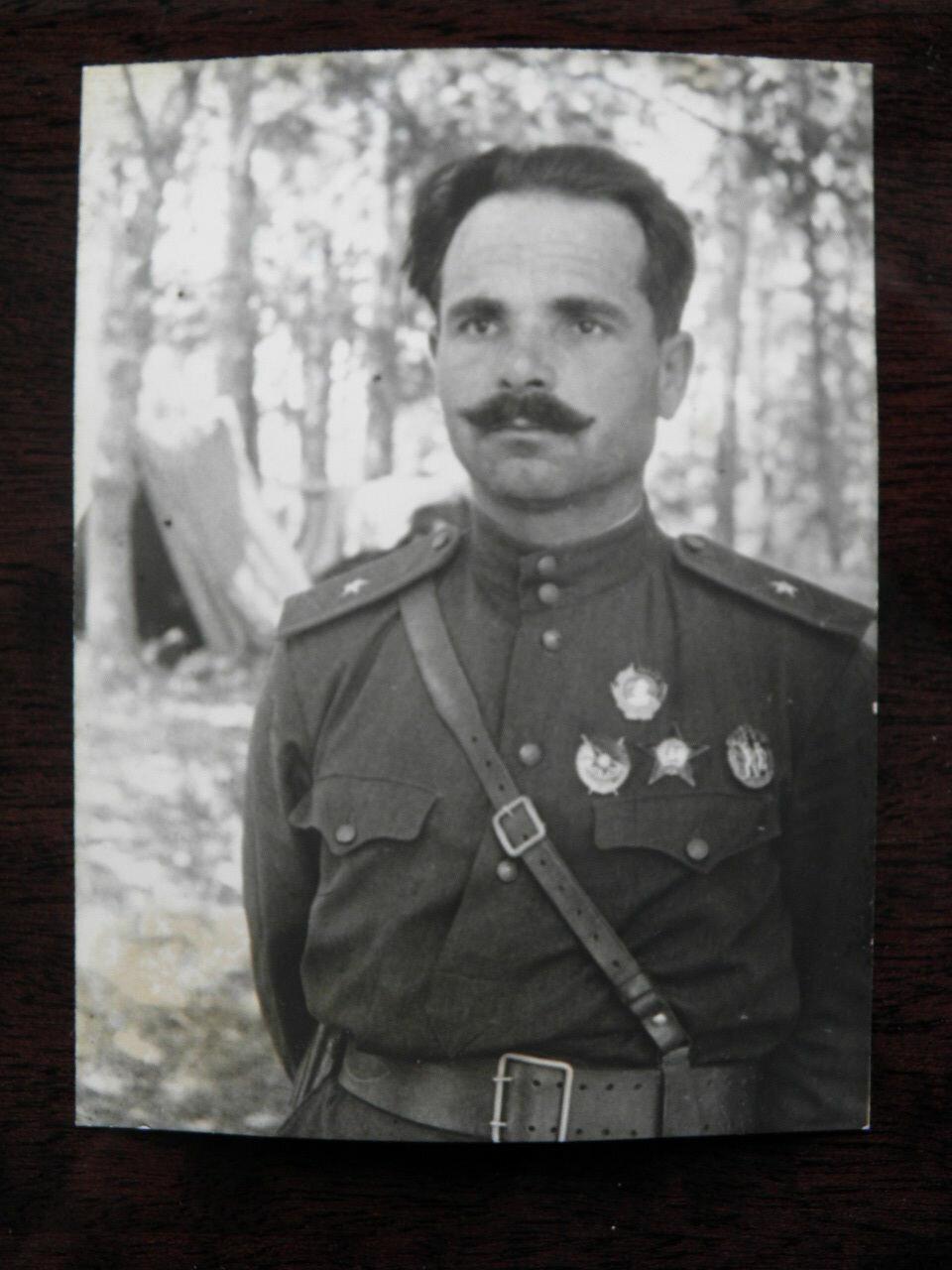 Семён Васильевич Руднев  (15 [27] февраля 1899 — 4 августа 1943) — Герой Советского Союза (1944, посмертно), один из руководителей партизанского движения на Украине, генерал-майор