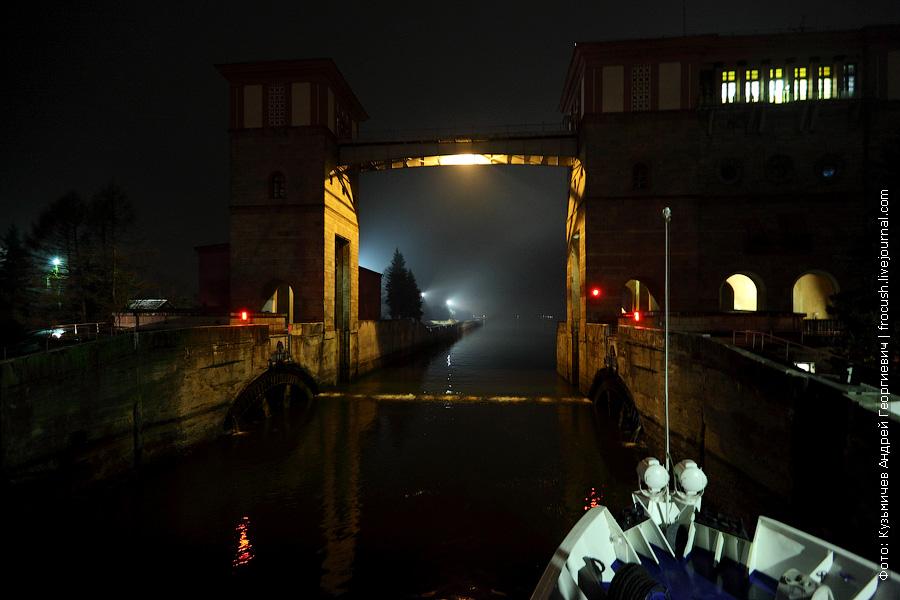 ночное фото Рыбинский шлюз