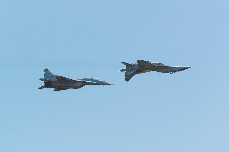 Микоян-Гуревич МиГ-29 (RF-92268 / 35 красный) D805213