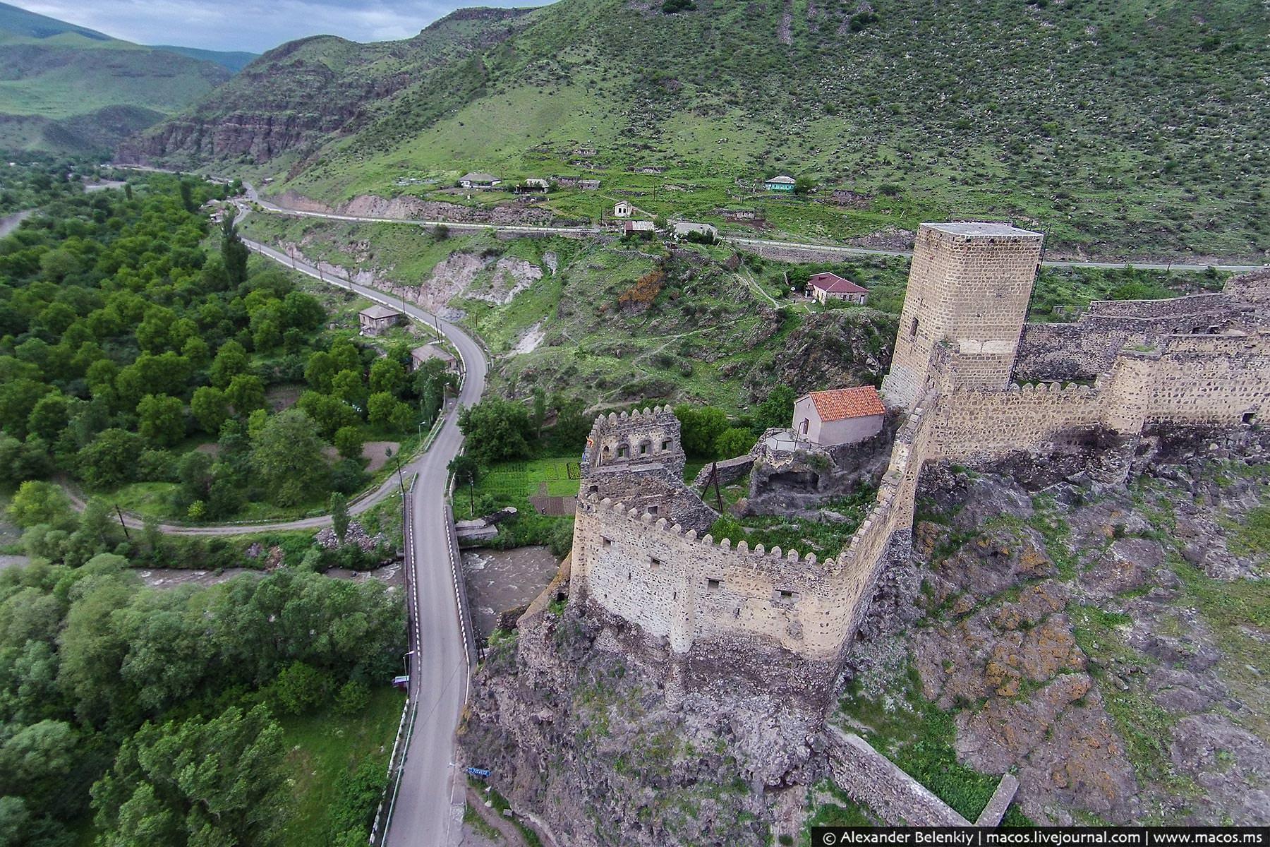 фото замки грузии