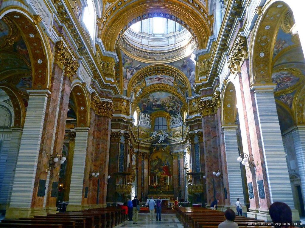 Церковь Св. Карло на Корсо.