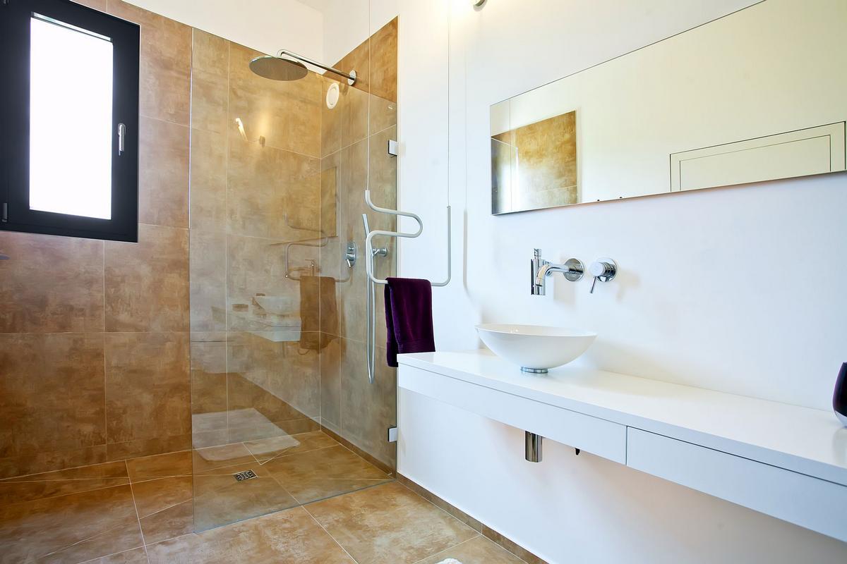 ecoDESIGNfinca, дом на Майорке, дом на Мальорке, частный дом в Испании, частный дом с бассейном, панорамные окна, стильный интерьер дома