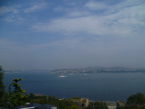 Стамбул - вид на Босфор из дворца Топкапы (Istanbul - Bosphorus from Topkapi Palace).