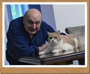 Михаил Жванецкий и его кот Морис.jpg
