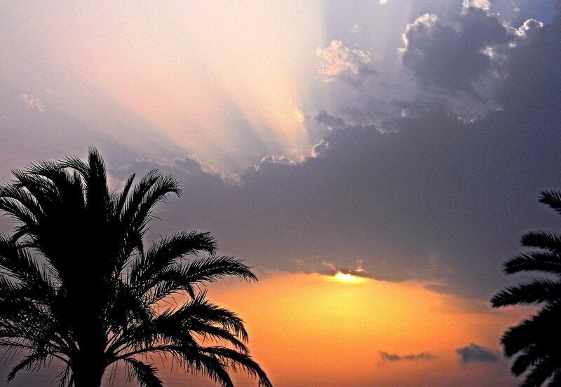 Вечернее небо Туниса