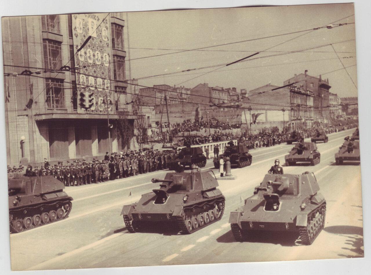 Военный парад в Киеве. 1947