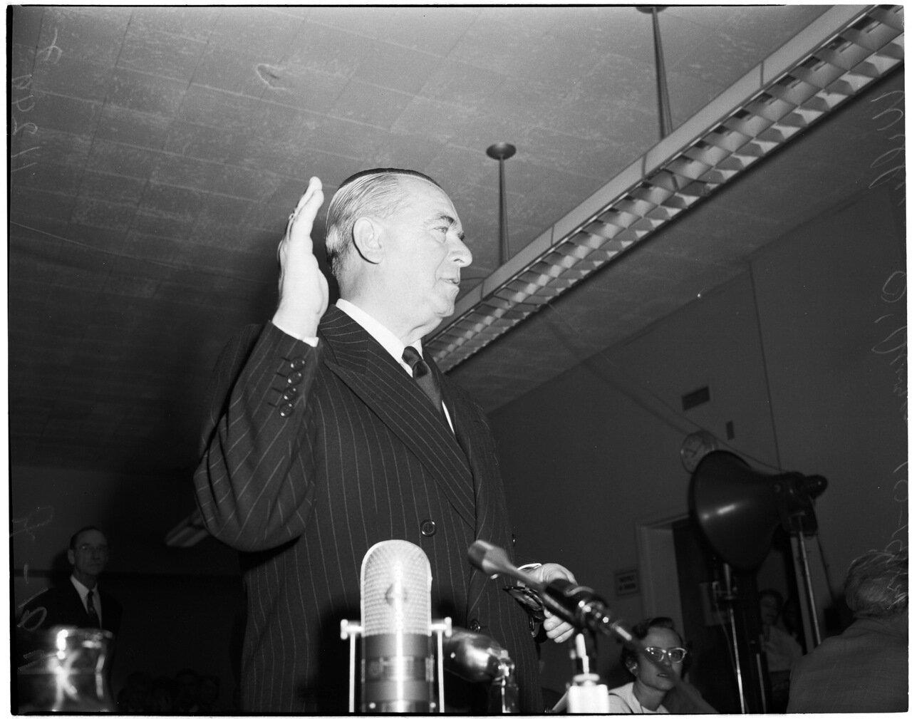 1954. 14 октября. Комиссия по расследованию антиамериканской деятельности. Дональд Джексон (1-ый свидетель)