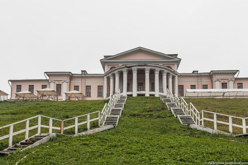 Большой дворец в усадьбе Дубровицы