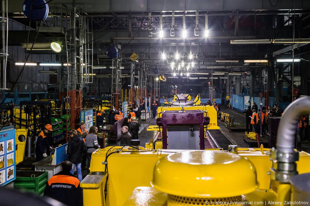 Как это работает: завод по производству тракторов