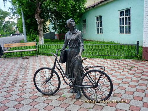 Памятник почтальону и связисту, Елабуга