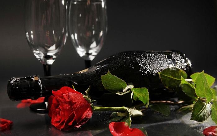 Вино, троянда, фужери - всі в очікуванні листівка фото привітання малюнок картинка